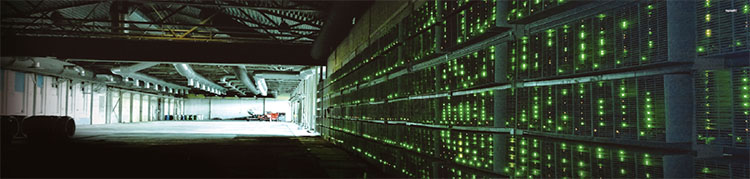 소위 '채굴장'에서는 가상화폐를 채굴하기 위해 수백 대의 컴퓨터를 이용한다.