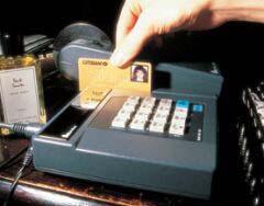 신용카드 대체할 휴대폰 결제시대