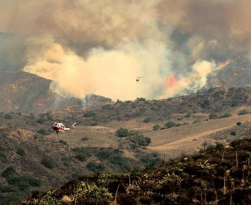 미국 휘청거리게 한 캘리포니아 산불