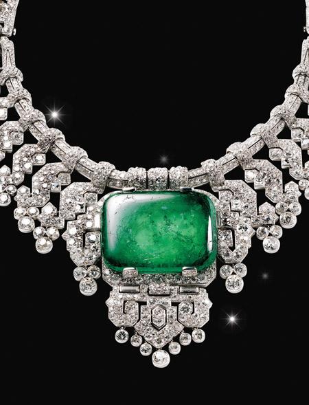 다이아몬드 자태 빛나게 한 백금 세팅 기술의 원조