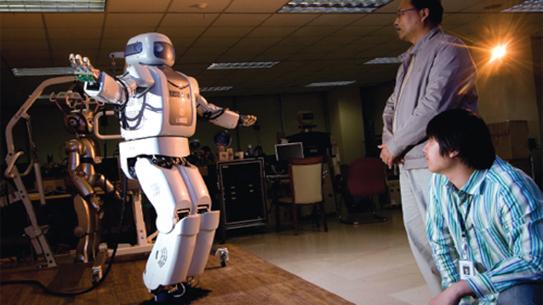 '텔미' 춤추는 로봇에서 온기를 느끼다