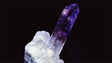 [Photo] 마법의 돌 '녹지 않는 얼음' 석영