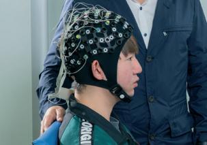 [Career] 환자 뇌파로 재활로봇 조종한다