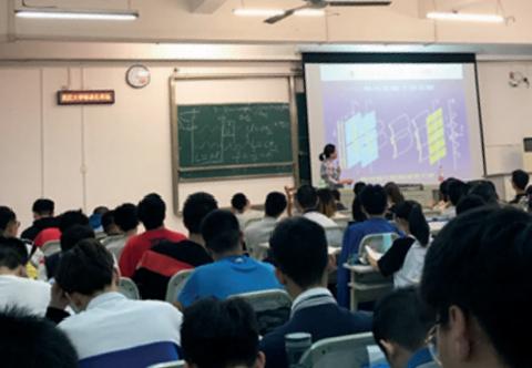 [중국유학일기] 기초과목에 집중하는 1학년 전공 역량 기르는 2학년