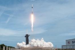 [과학뉴스] 스페이스X, 첫 유인 우주선 발사 성공!